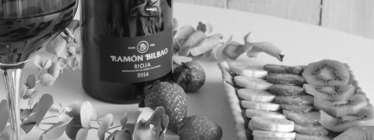 TARTA O TARTALETAS DE CHOCOLATE Y FRUTA